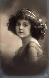 postcard-girl-early-1920s